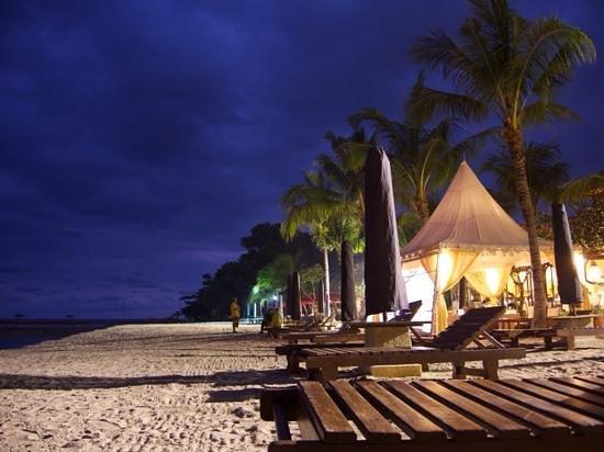 Bali Sanur Beach Villas : Beach is a 5 min walk