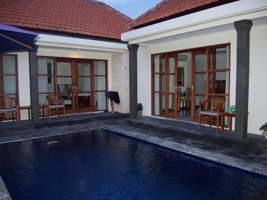 Bali Sanur Beach Villas : Bedrooms