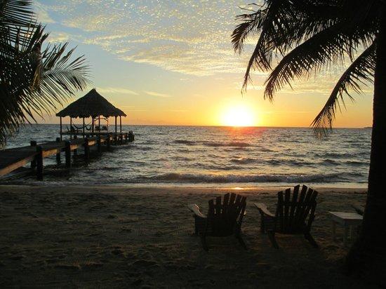 Maya Beach Hotel: Sunrise