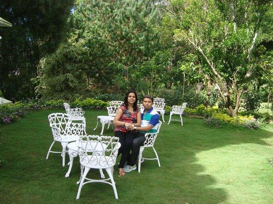 Hotel Fort Munnar : Lawn