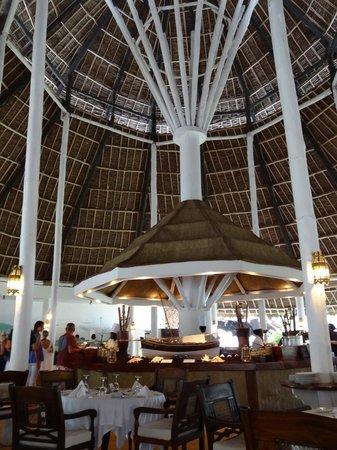 Sandies Tropical Village: Main dining area