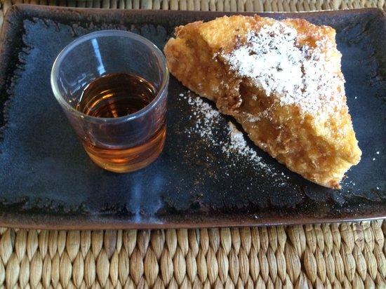 GUTI Resort by AKA: La carte breakfast