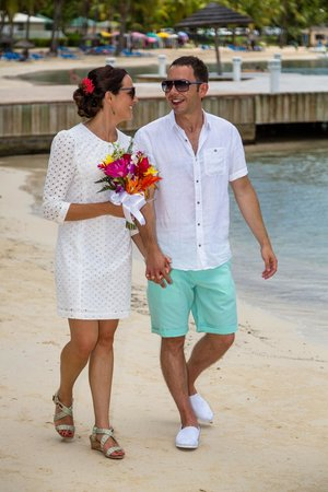 St. James's Club & Villas: Wedding on the beach Aug 2013