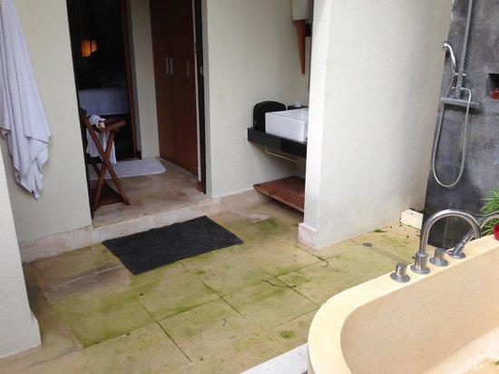 Amara Sanctuary Resort Sentosa: salle de bain villa 9