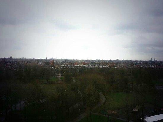 Ramada Apollo Amsterdam Centre : Uitzicht kamer 1013