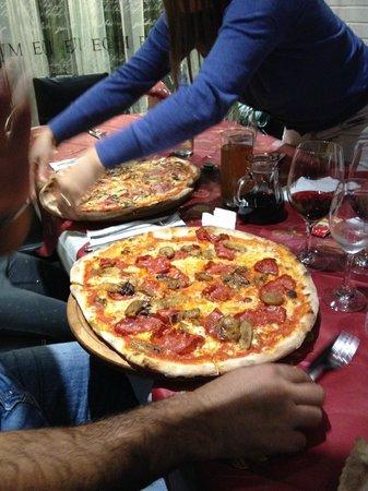 Waldshut-Tiengen, Duitsland: Pizza ist der Hammer als Italiener gebe ich Note 10