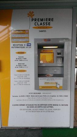 P'tit Dej-Hotel Saintes Recouvrance: Máquina automática de cheq-in