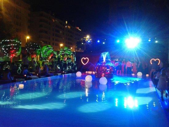 Faena Hotel : Reveillon - Festa na piscina