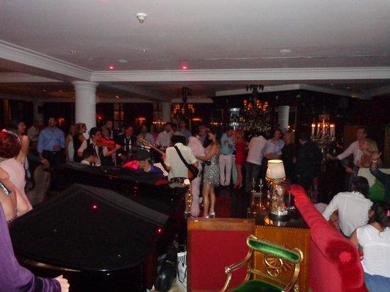 Faena Hotel Buenos Aires: Reveillon - música ao vivo - The Library Lounge