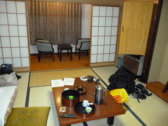 Shiga Kiraku Hotel: 部屋内部