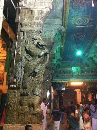Koodal Azhagar Temple : Sculpture ( Yali - Dragon Like )