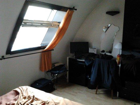 Hotel Valentino du Parc : camera vista dal letto