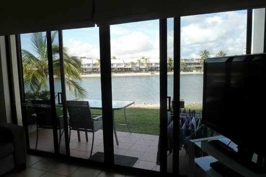 Culgoa Point Beach Resort: Living-Room-View