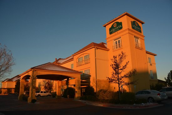 La Quinta Inn & Suites Lubbock North: The hotel from the front on a crisp, early December morning.