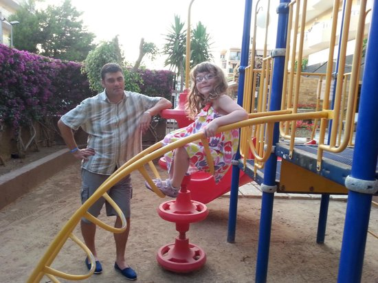 Blue Sea Don Jaime: Playground at the front of the hotel - this is where you can lock your hire bikes up too