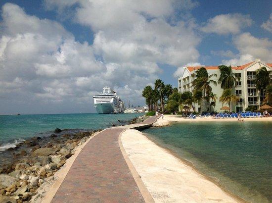 Renaissance Aruba Resort & Casino: Hotel/Cruise Ship Dock