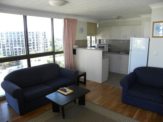 Warringa Surf Apartments: .cucina