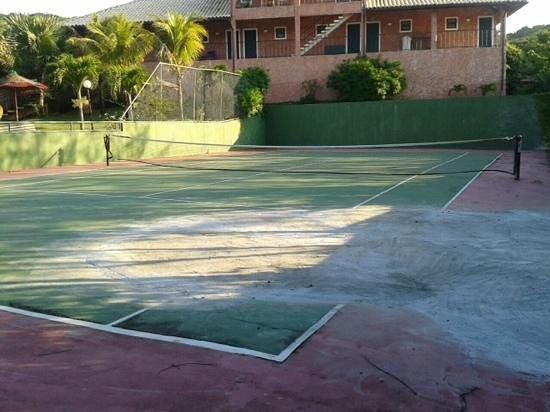 Pousada Pedra Da Laguna: quadra de tenis da pousada
