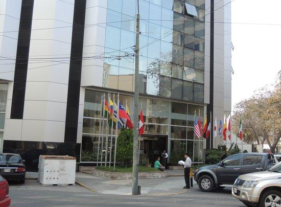 Hotel Jose Antonio Lima: frente del hotel