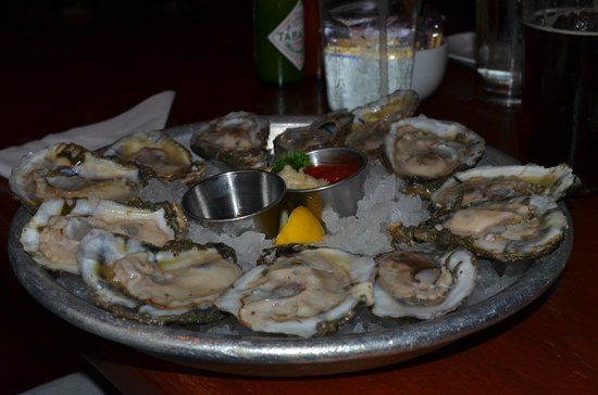 Pearlz Oyster Bar: Fresh oysters