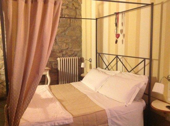 Porta Castellana: Letto a Baldacchino