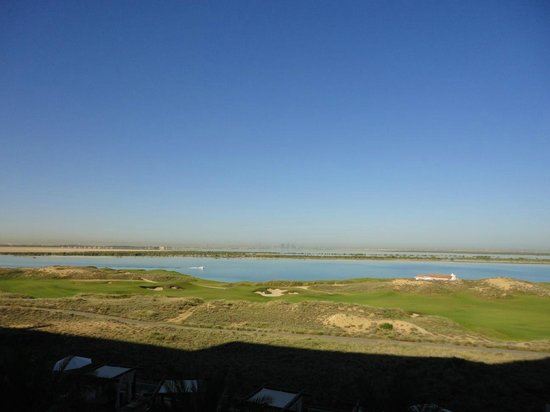 Radisson Blu Hotel, Abu Dhabi Yas Island: Day view from room