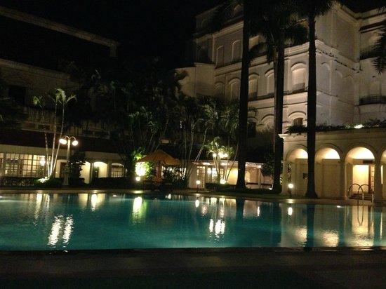 The Oberoi Grand: Pool