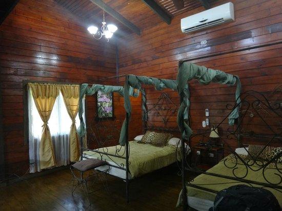 Blue River Resort & Hot Springs: Bedroom