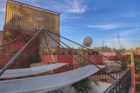 Riad Coram: Rooftop terrace view at breakfast time
