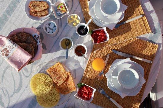 Riad Coram: Breakfast