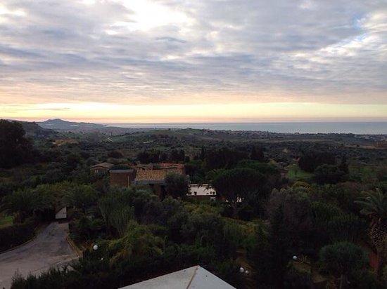 Colleverde Park Hotel: vista nocturna desde la terraza de la habitacion