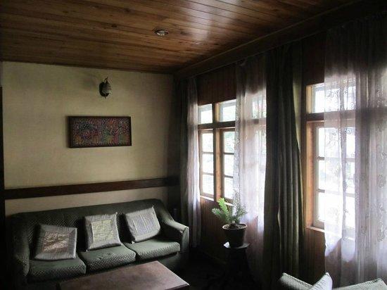 Hotel Pradhan: Top floor Lounge
