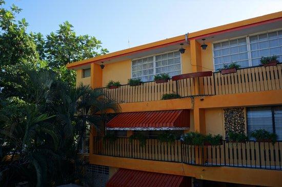 Ideal Villa Hotel : L'extérieur