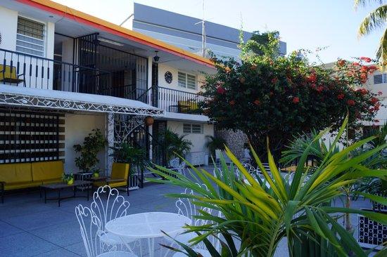 Ideal Villa Hotel : Extérieur
