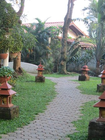 Secret Garden Chiang Mai: Walking path