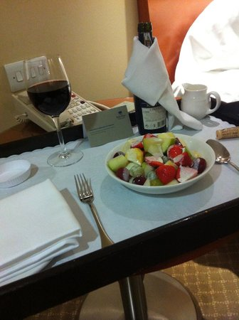 Park Plaza Victoria London: Treat desert!