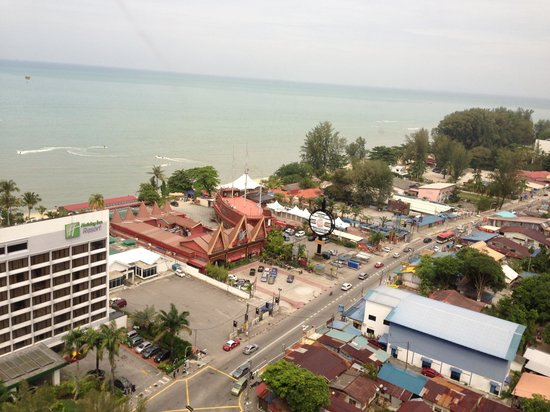 Holiday Inn Resort Penang: Sea view from tower block