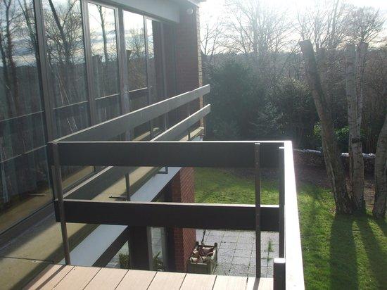 Green Hill Guest House Appartement & Chambre : le vetrate dall'esterno