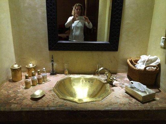 La Villa Nomade : one bathroom