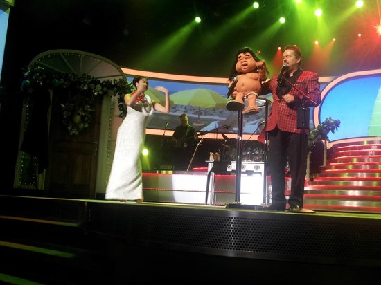 Stage Theatre Picture Of Terry Fator The Voice Of