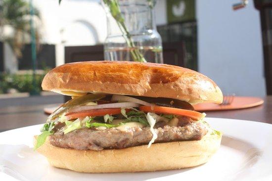 La Malagueña: Charly´s burger