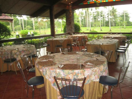 Nice dining area picture of villa escudero resort san Villa escudero room pictures