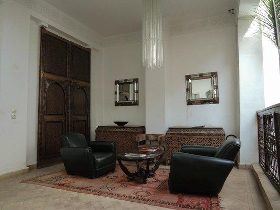 Riad Al Mansoura : Upper lounge area