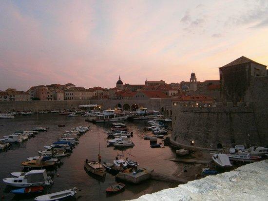 Valamar Argosy Hotel : Dubrovnik Harbour in the evening