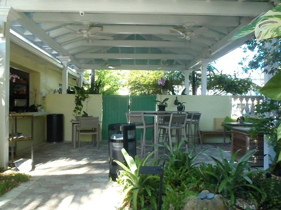 Almond Tree Inn: Área comum