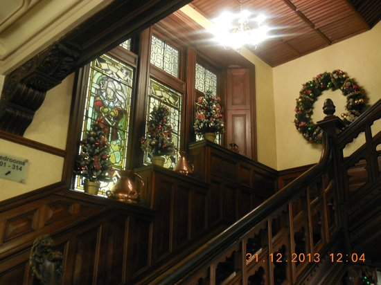Highland Hotel: the beautiful festive staircase