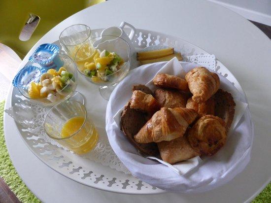 Villa Cosy : Wunderbares Frühstück auf dem Zimmer mit Nespresso-Kaffee oder Thé