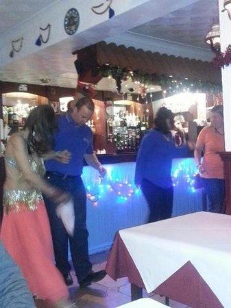 Yiamas Greek Taverna: belly dancing ;)