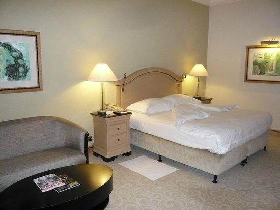 Mövenpick Hotel Doha: Junior suite
