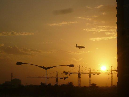 Movenpick Hotel Doha: Sunrise from hotel